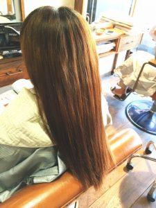 伸ばし中の髪