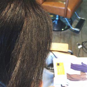 前髪のチリチリビビリ毛