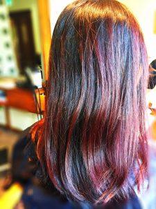 ヘナで赤くなった髪