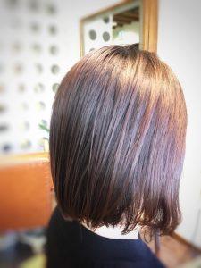 髪のうねりがひどい 原因